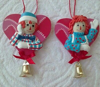 Raggedy Ann & Andy Patchwork Heart Wood Ornament Bell Simon Schuster Inc. 1998