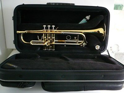 Student trumpet CarolBrass, with carrying case, in almost brand new conditions.