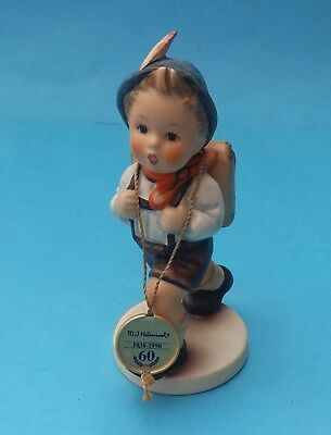 BOXED HUMMEL SCHOOL BOY FIGURINE - No. HUM 82/0