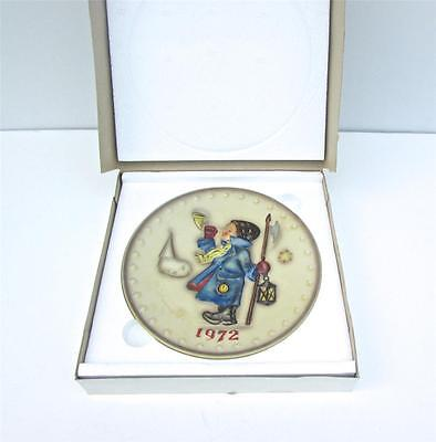 NEW IN BOX Hummel 2nd Annual Plate 1972 Hear Ye Hear Ye