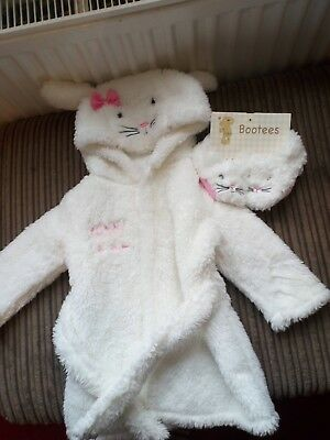 baby dressing gown and slippers 6-9 months