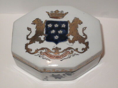 Antique Chinese Export Porcelain Armorial Box Hand Painted Heraldry Coat of Arms