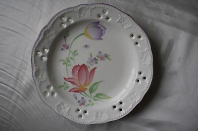 A Pair of Vintage Japanese Porcelain Plate Flower Pattern and Hollow Edge