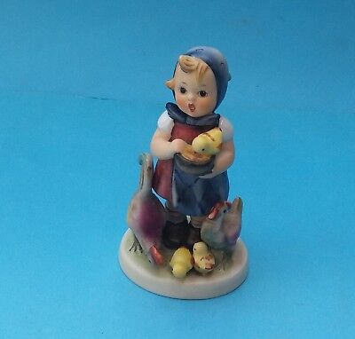 HUMMEL FEEDING TIME FIGURINE - No. HUM 199/0