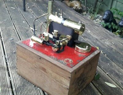 Bowman steam engine m122 in a  wooden box