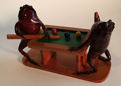 Real Frog Figures Playing Shooting Pool - Excellent Condition Man Cave Taxidermy