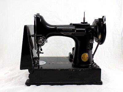 VINTAGE 40 SINGER FEATHERWEIGHT 40 Black Sewing Machine W Case New 1947 Singer Featherweight Sewing Machine
