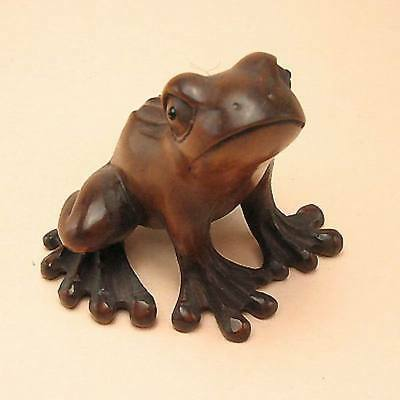 Boxwood Wood Netsuke CARTOON FROG Figurine Carving (WN555)