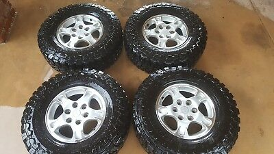 Toyo open country 4wd m/t 265 75 16 mud tyres on pajero alloys will fit triton