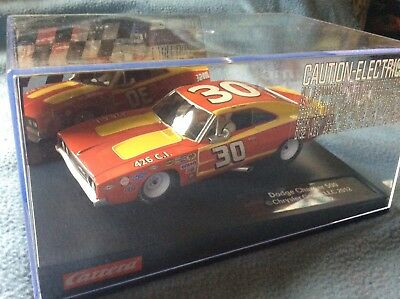 carrera Evolution Dodge Charger, US sondermodell in 1:32