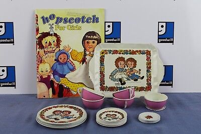 Raggedy Ann Andy 24 PC vintage 1971 tea set W/ Bonus Hopscotch Issue 2007