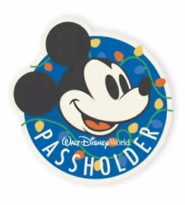 Disney Parks Mickey Mouse Annual Passholder 2017 CHRISTMAS Car Magnet