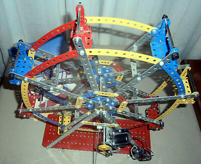 Meccano Erector Set Of Over 480 Pieces
