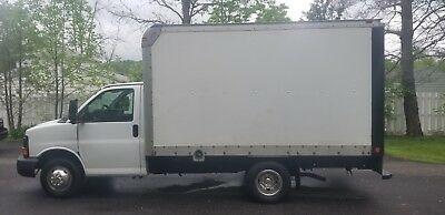 2006 chevy express 3500 12ft box truck