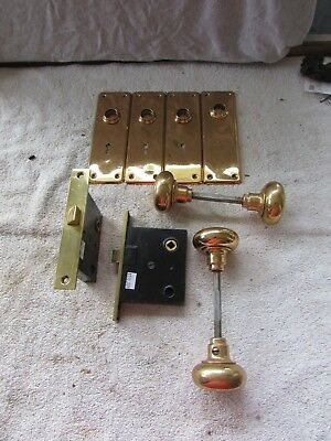 VTG Pair of Matching Door Lock Sets Brass Face Back Plates Knobs 3605