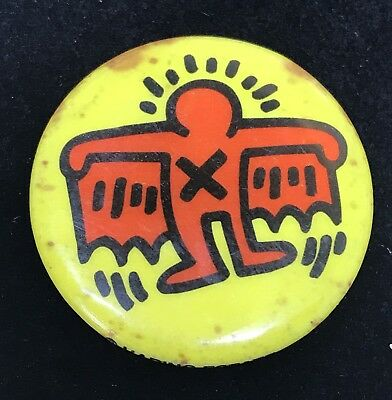 Rare Authentic Vintage KEITH HARING POP SHOP ART Red Winged Man Pin Back Button
