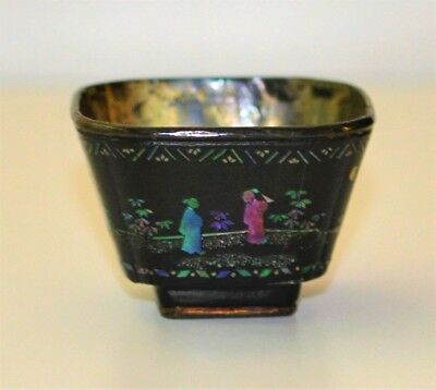 Antique Chinese Lac Burgaute Tea Bowl 18th century