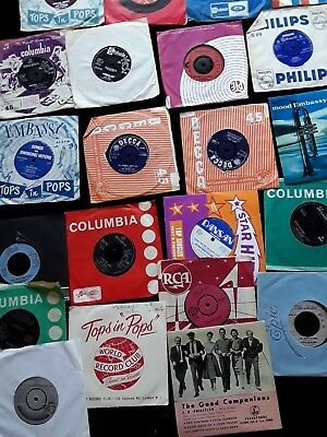 A Collection Of Mixed  7 Inch Vintage Singles Approx 25