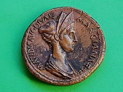 5. Salonia Matidia - Extremely Rare Sestertius - 30,91g; 36mm