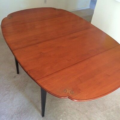 Hitchcock Drop Leaf Dining Table, Very Good Condition, Has 2 Leaves