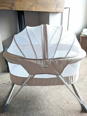 Inovi Cocoon travel cot/moses basket in beige - suitable as hand luggage.