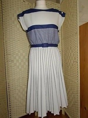 Ladies size 14 petite ivory and navy Ever Young vintage dress.