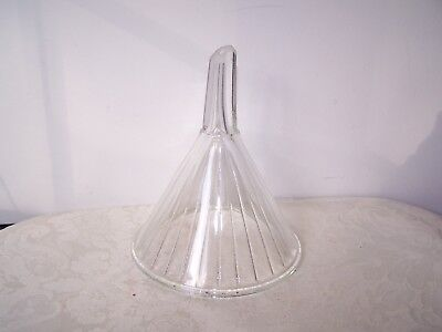 VINTAGE CLEAR GLASS VENTED RIBBED LAB OR KITCHEN FUNNEL - 8 oz - 5 1/4 X 6''
