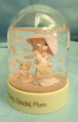 """Precious Moments Waterball Dome TO A VERY SPECIAL MOM 3.5"""" by Enesco 1994"""