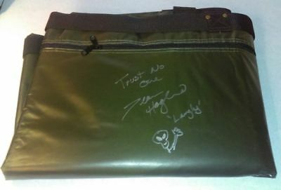 Extremely Rare! The X Files Screen Used Prop Militairy Alien Body Bag Signed