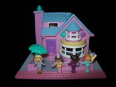 EUC 100% Complete (Fully Lights Up) Vintage Polly Pocket Bay Window House 1993