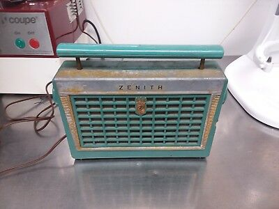 Vintage 1950's Zenith Model Z402F Portable Tube Radio Blue/Green Plastic