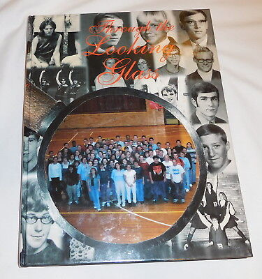 Buffton college Ohio Ista Yearbook 2000 Through The Looking Glass