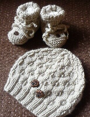 Beanie & Booties Set w Doggy Footprints. Beige. Hand-knitted by me. BOY OR GIRL