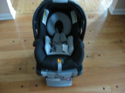 CHICCO KEY FIT 30 Zip Infant Car Seat With Base Color Obsidian Excellent