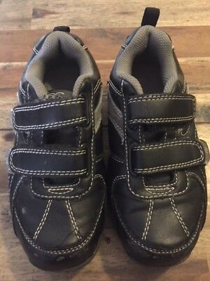 Betts Boys Sneakers Casual Shoes Size 11
