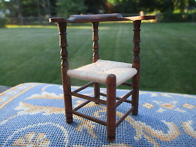 Dollhouse Miniatures ~ IGMA George Hoffman GORGEOUS Corner Chair, Hand Carved