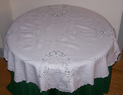 "Very Fine Madeira Embroidered Vintage Linen Tablecloth, 52"" Round Flower Basket"