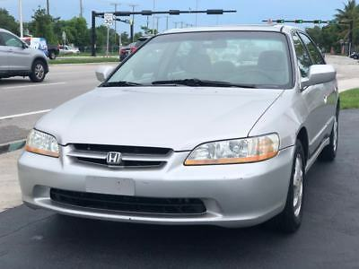 1999 Honda Accord  1999 Honda Accord EX 4dr Sedan 2.3L 4 Cylinder Gas Saver Drives Great Florida