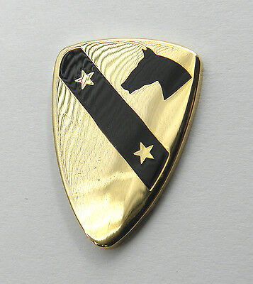 Us Army 1St Cavalry Division 2 Star Gold Colored Lapel Pin Badge 1 Inch