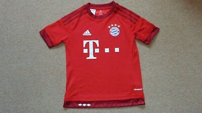 Boys Age 9-10 Adidas Climacool Short Sleeve Bayern Munich Football Shirt in Red