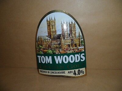 TOM WOODS LINCOLN GOLD  Ale Beer Pump Clip Bar Collectible with clip.