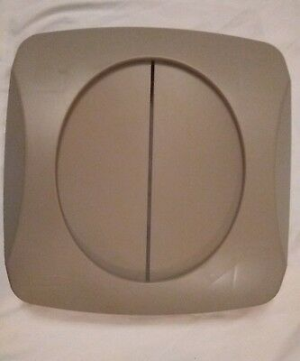 Rubbermaid Swing Top Trash Can Lid Untouchable Series Container FG268988 BEIG