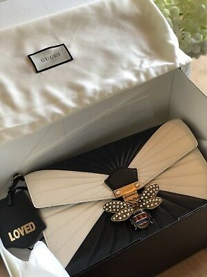 99a7490657d 2017 GUCCI QUEEN Margaret Quilted Clutch