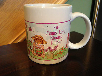 Avon Gift Collection With Love Mug Mom Mom's Love Blooms Forever