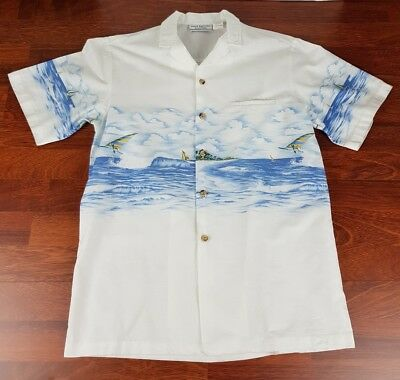 Button front beach shirt with windsurfing print. size M made in USA