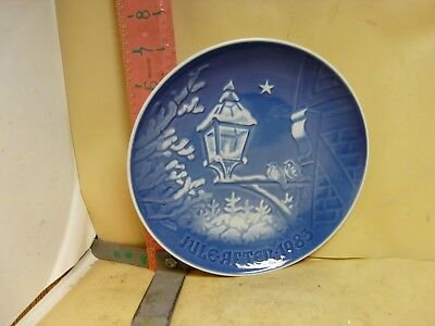 Bing & Grondahl Christmas Plate - Jule 1983 - Christmas In Old Town - No Damage