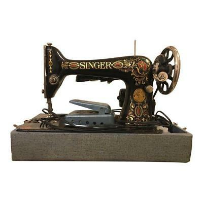 1910 Antique Singer Sewing Machine with Carrying Case