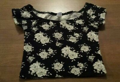 501eec456 FOREVER 21 SHORT Sleeve U-Neck Black Cropped Top Floral Size Small ...