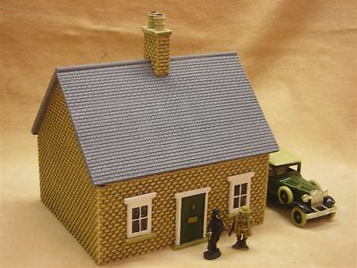 SINGLE STOREY SHOP SLATE ROOF 28MM PMC GAMES BT15 PAINTED