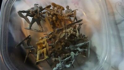 Vintage  19 pcs Army Men in TAN AND LIGHT ARMY GREEN 1 /1.5 ins tall Very Nice